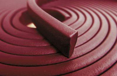 Rola de cordon bentonitic hidrofil expandabil Bentobar+ SaltWater, cu dimeniunea de 20x25mm, special conceput pentru contactul cu apa salină